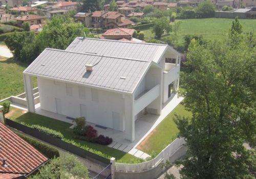 Villebio-casa-prefabbricata-in-legno-bifamigliare-gavardo (16)